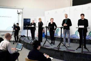 The same in Sweden. Swedish Deputy State epidemiologist Anders Wallensten (2-R) of the Public Health Agency of Sweden attends a daily press conference on the status of the ongoing coronavirus COVID-19 pandemic in Stockholm, Swedem, 15 April 2020. Kuva: epa08364639