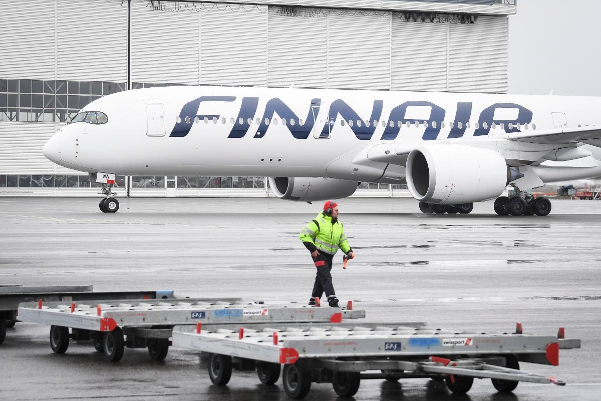 Finnair has canceled 90% of its flight schedule but hopes to start opening routes up again from June. Kuva: epa08363959
