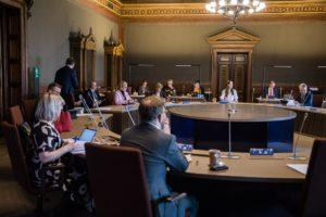 Finnish government has unveiled what it calls a 'hybrid timetable' to phase out many of the restrictions brought in to slow the spread of coronavirus in Finland. The government ministers and experts met during two days in the House of Estates in central Helsinki. Kuva: Laura Kotila
