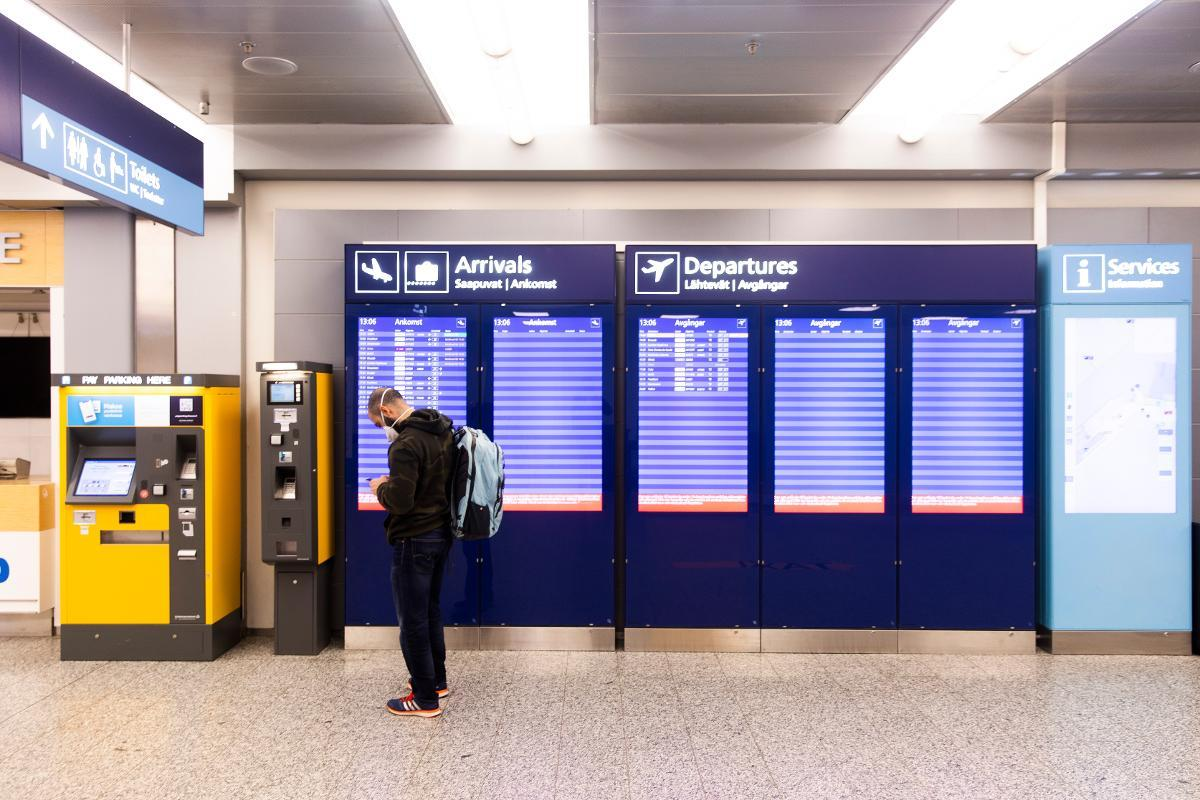 Helsinki-Vantaa airport's Terminal 2 is closed due to coronavirus. Now representatives of major Finnish regional centers are worried that Finnair and the government might agree to close their flights not only for the Summer, but indefinitely. Kuva: Arttu Laitala
